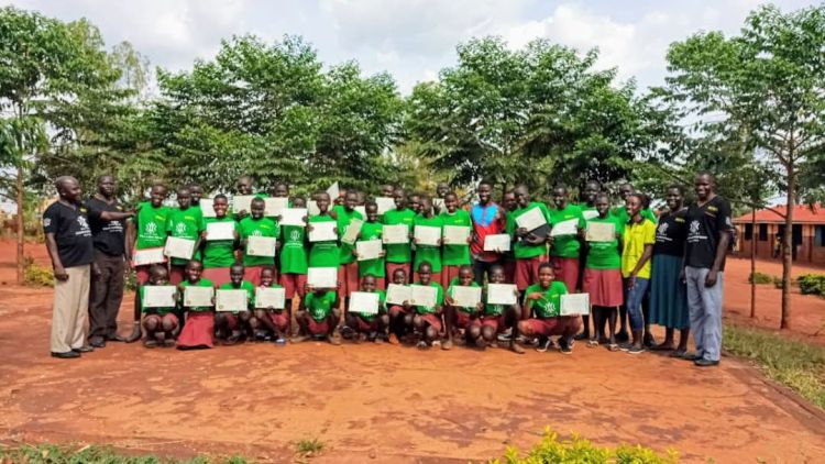 400 Youths receiving scholarships